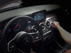 Lắp cảm biến áp suất lốp trên Mercedes